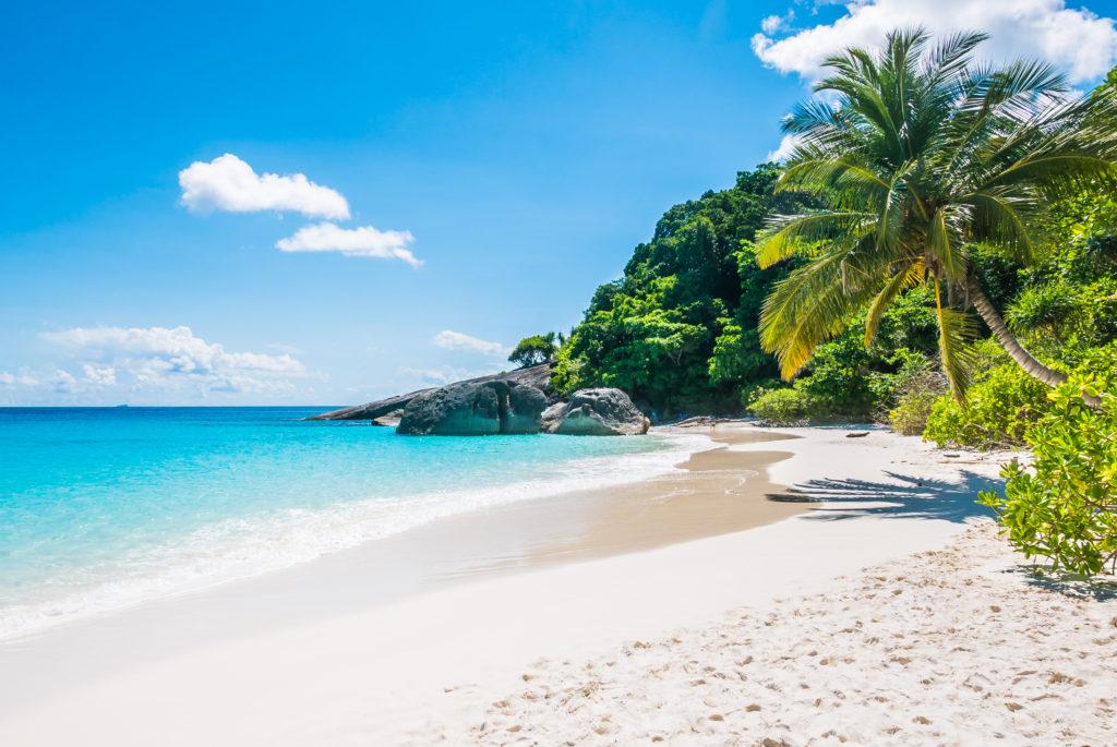 4 ชายหาดที่ดีที่สุดใกล้กรุงเทพ เก็บไว้เที่ยวหลังจากผ่านพ้นเหตุการณ์ในปัจจุบัน